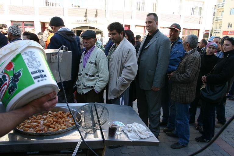 Anadolu Seyahat Belediye Önünde Promosyonlarını Tanıttığı Bir Stand Açtı.