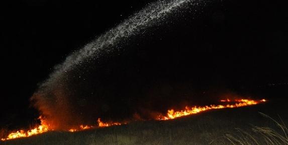 Anız Yangını Cezaevine Sıçramadan Söndürüldü!