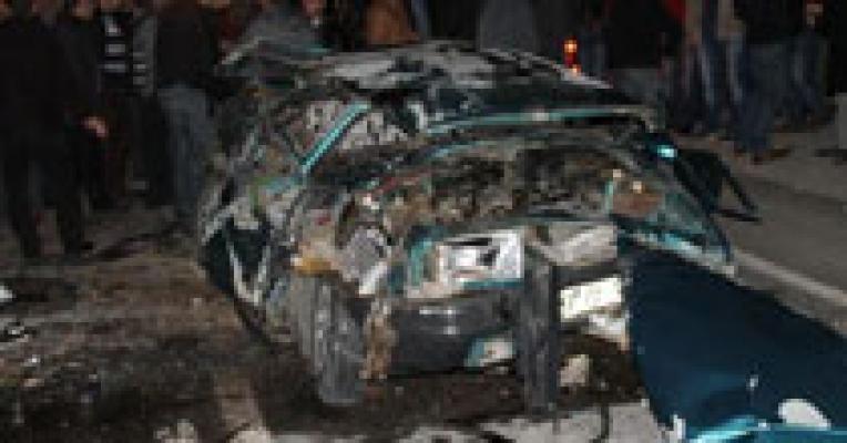 Artvin Kaza. Fehmi Vural'ın Kullandığı (53 FA 746) otomobil Şarampole Yuvarlandı. Kazada Ümmühan, İbrahim, Fatma, Merve, Fehmi ve Aysel Vural Öldü.