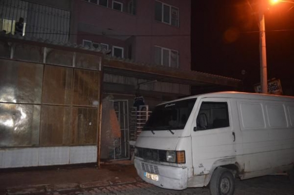 Aydın Nazilli de Kadın Cinayeti. Mehmet Gökbayrak, E.E. yi Bıçaklayarak Öldürdü Sonrada İntihar Etti.