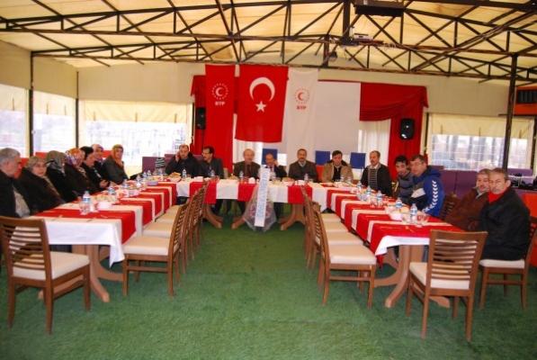 Bağımsız Türkiye Partisi Uşak Teşkilatı ATAPARK'taki Kahvaltıda Buluştu