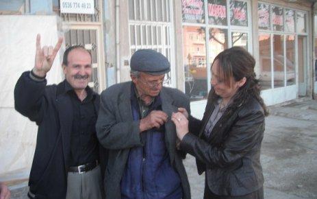 Banaz'da 50 Yıllık CHP'liye MHP Rozeti...