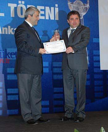 Bilinçli Tüketici Ödülünü Uşak İl Dernekler Müdürü Hüseyin Sayan Kazandı.