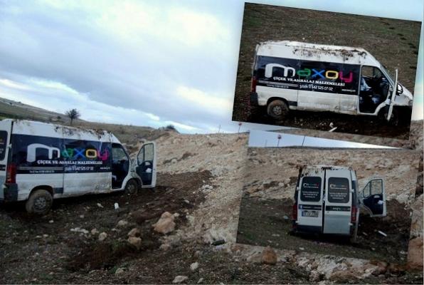 Çamurlu Yolda Kayan Minibüs Uçuruma Yuvarlandı! 1 Yaralı