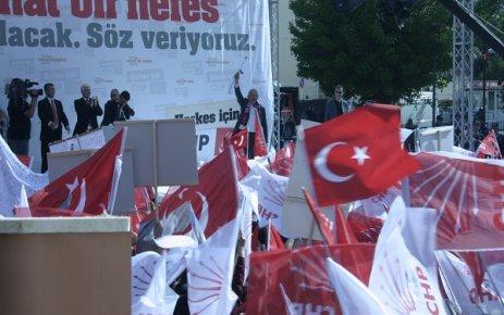 CHP Uşak Mitingi. Kılıçdaroğlu Kent Meydanı'nda Halka Sesleniyor