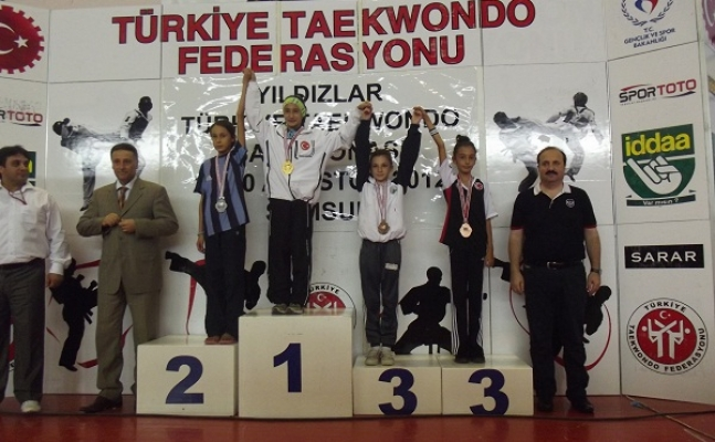 Eşmeli Bayan Sporculardan Türkiye Derecesi!