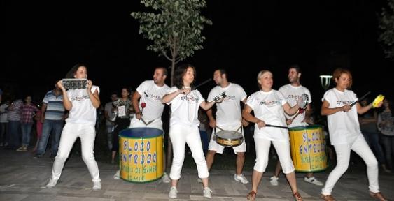 Festiva'l Coşkusu ATAPARK'taki Ritim Şovla Başladı!