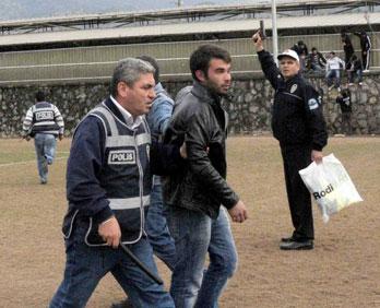Fethiyespor - Sakaryaspor Maçında Olay Çıktı.