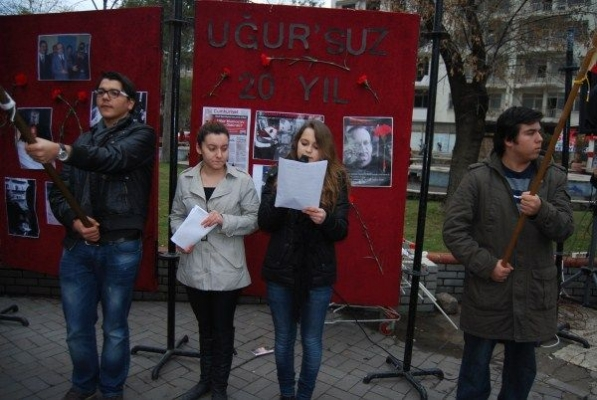 Uşak CHP ve ADD Gazeteci Uğur Mumcu'yu Andı