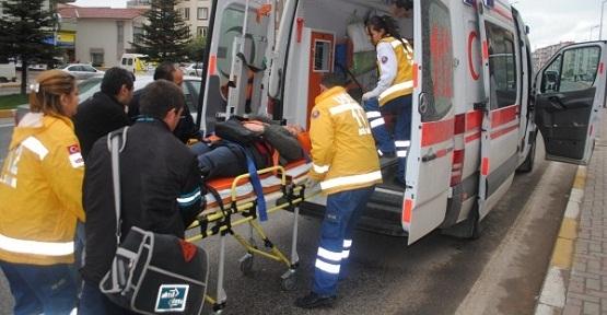 Halk Bankası Önünde Kaza!1 Yaralı