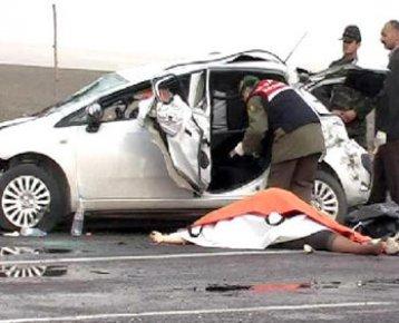 Konya Ereğli de Trafik Kazası. Astsubay Ahmet Sonal yaralandı, annesi Nazan Sonal öldü.