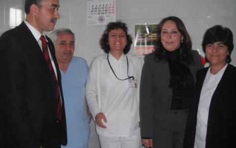 MHP Milletvekili Adayları Hemşireler Günü Sebebiyle Hastaneyi Ziyaret Etti
