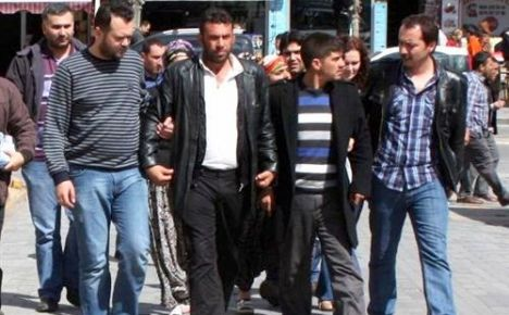 Minibüste Yakalanan 47 Kilo Esrara 4 Gözaltı!