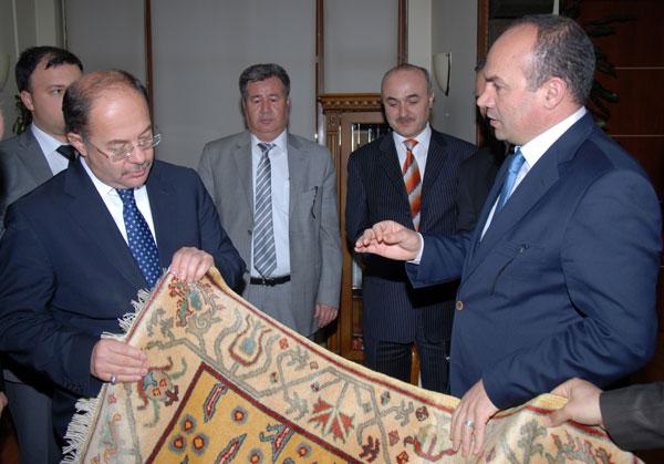 Sağlık Bakanı Uşak Belediye Başkanı Ali Erdoğan ı Ziyaret Etti...