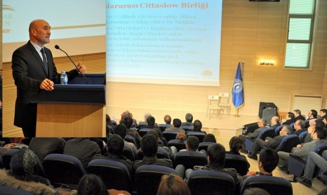 Seferihisar Belediye Başkanı Tunç Soyer Uşak'taki Konferansta Konuştu!
