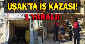 Uşak'ta bir tekstil fabrikasında iş kazası, makineye elini kaptıran işçi ağır yaralandı.