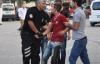 Uşak'ta Gençlerin Kavgası Bıçaklamayla Sona Erdi: 2 Yaralı!