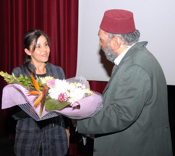 Uşak AKM de Safahat Adlı Tiyatro Gösterisi Sahne Aldı