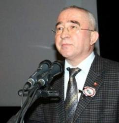 Uşak MHP de Yaprak Dökümü Süreceğe Benziyor..
