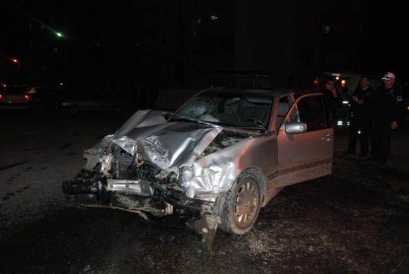 Uşak Huzurkent Sitesi Girişinde Trafik Kazası! 2 Yaralı