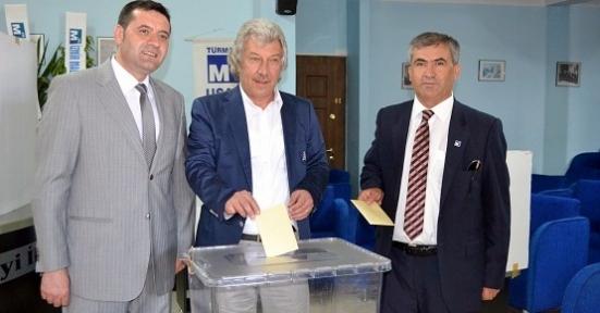 Uşak SMMMO'da Yeni Başkan Uğur Albayrak!