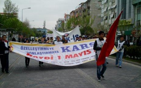 Uşak ta 1 Mayıs İşçi Bayramı Kutlamaları Yapıldı. (1 MAYIS Nedir Neden İşçi Bayramı Olarak Kutlanır)
