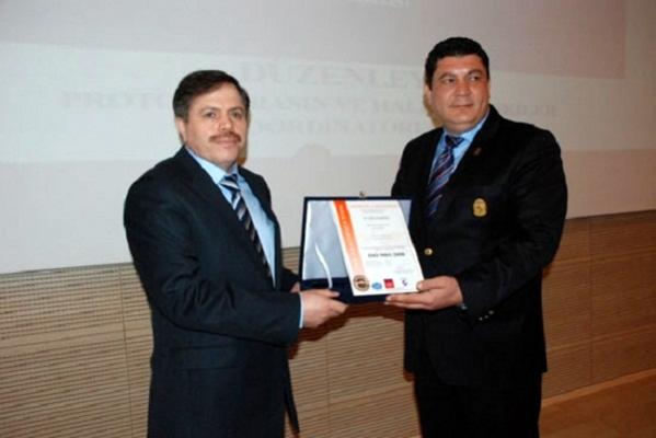 Uşak Üniversitesi ISO 9001:2008 Belgesi Almaya Hak Kazandı!