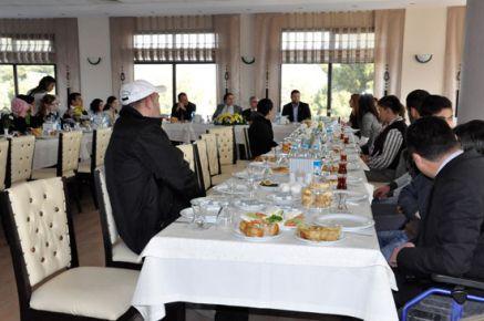 Uşak Üniversitesi'nde Dünya Engelliler Günü Münasebetiyle Kahvaltılı Toplantı Düzenlendi