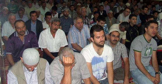 Uşak'ta Ramazan Bayramı Namazı Tüm Camilerde Kılındı!
