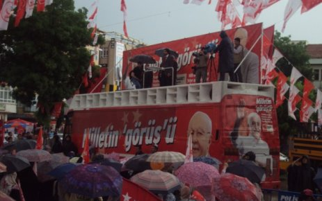 Uşak'ta Saadet Partisi Mitingi İlgi Görmedi